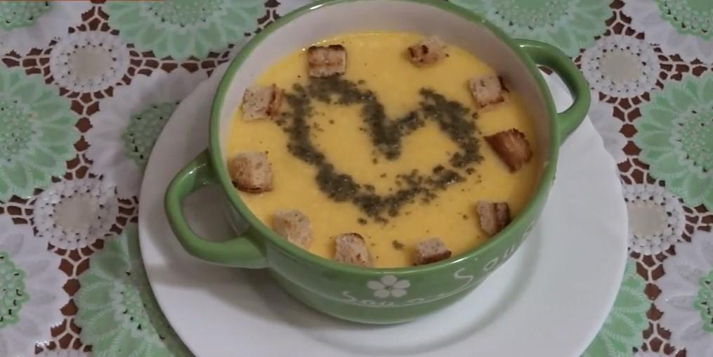 Тыквенный суп с ананасами